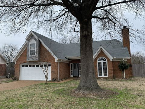 Photo of 6518 Country Knoll Ct, Bartlett, TN 38135