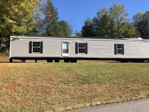 Photo of 10 Comanche Rd, Ridgeway, VA 24148
