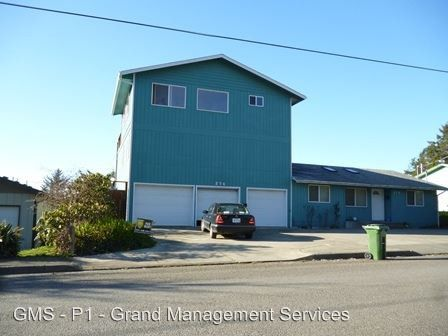 Photo of 274 And 276 N Cammann St, Coos Bay, OR 97420