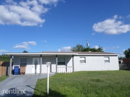 1127 Navajo Ave, Lehigh Acres, FL 33936