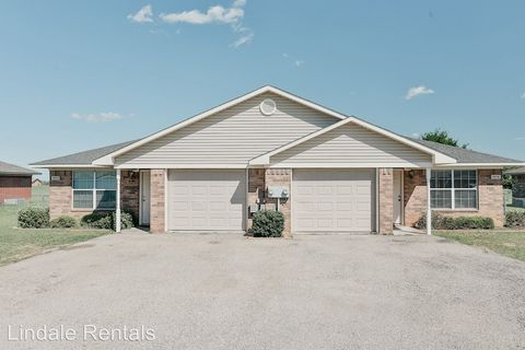 Photo of 16110 Rolling Meadows Dr, Lindale, TX 75771