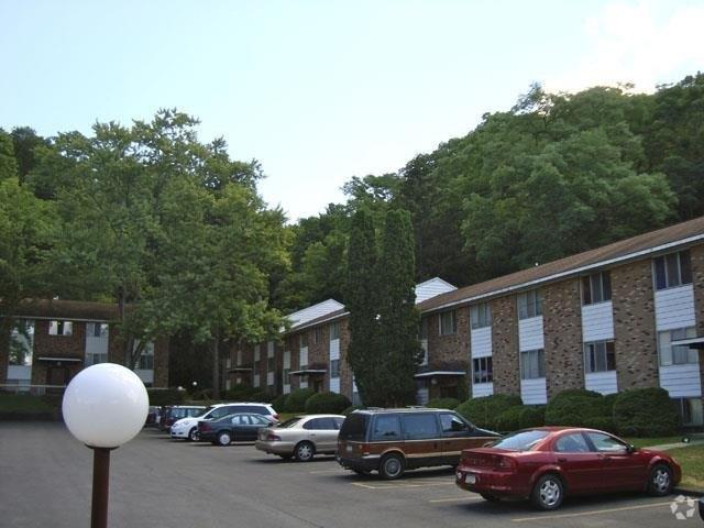Fall Haven: A Travis Hyde Community