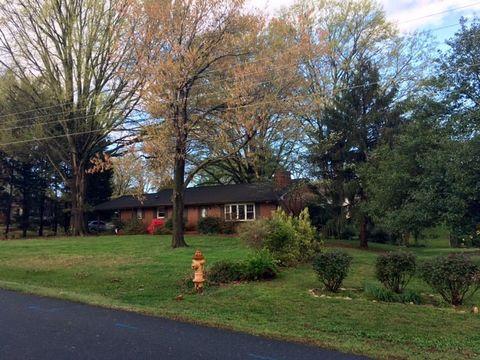 Photo of 801 Minorcas Rd, Winston Salem, NC 27106