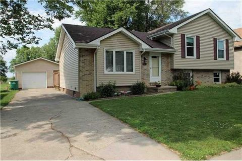 Photo of 211 5th St Nw, Mitchellville, IA 50169