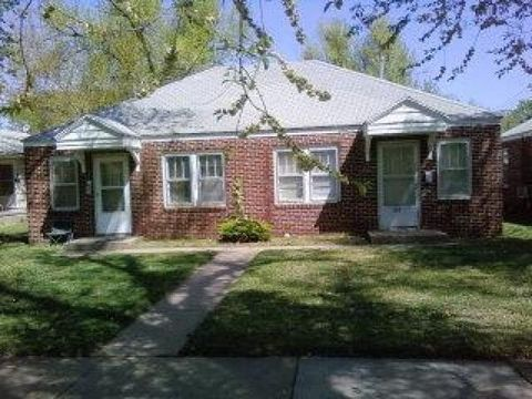 Photo of 326 E 12th Ave, Hutchinson, KS 67501