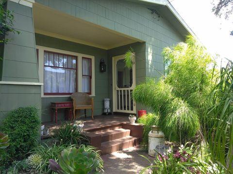 Photo of 3288 Morcom Ave, Oakland, CA 94619