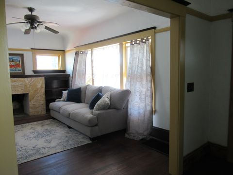 Photo of 6236 Harmon Ave Rm For2, Oakland, CA 94621