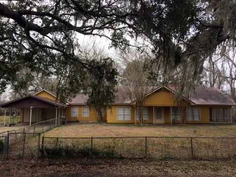 Photo of 103 Munson Ranch Rd, Angleton, TX 77515