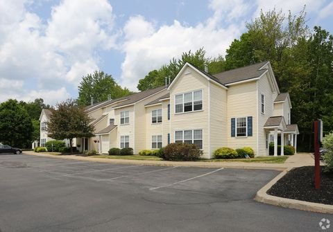 Photo of 1700 Lookout Ln, Clifton Park, NY 12065
