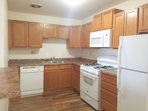Photo of 4955 S Greenbrook Ter, Greenfield, WI 53220
