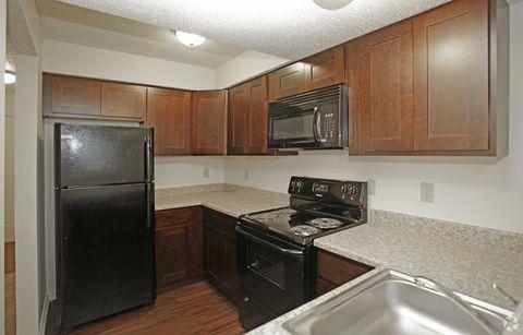 Photo of 8900 Old Santa Fe Rd, Kansas City, MO 64138