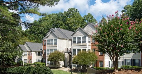 Photo of 88 Barrington Oaks Rdg, Roswell, GA 30075