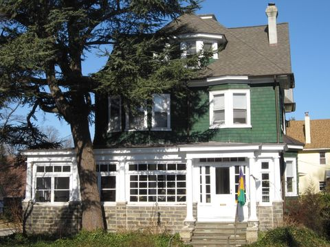 323 Windsor Ave, Narberth, PA 19072