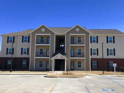 Photo of 550 W 33rd St N, Wichita, KS 67204