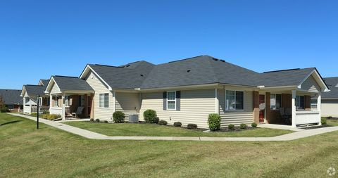 Photo of 4251 Strattford Cir W, Zanesville, OH 43701