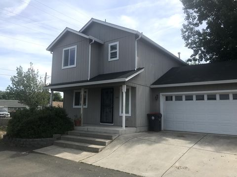 Excellent Rogue Valley Medford Or Apartments For Rent Realtor Com Download Free Architecture Designs Ogrambritishbridgeorg
