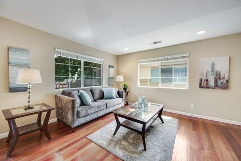 374 Oleander Dr, San Jose, CA 95123