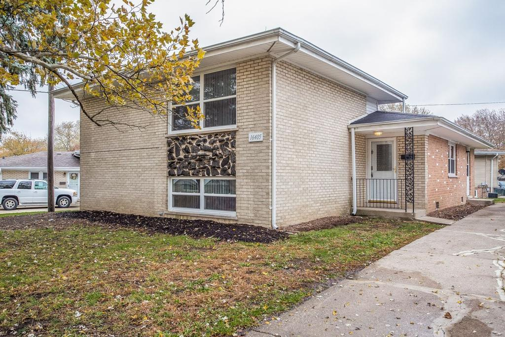 16405 George Dr, Oak Forest, IL 60452