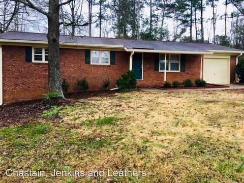 Photo of 192 V F W Dr, Watkinsville, GA 30677