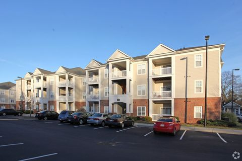 Photo of 1713 Walker Ave, Greensboro, NC 27403