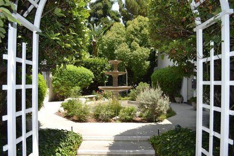 Photo of 1011 W Duarte Rd, Arcadia, CA 91007