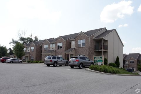 Photo of 1625 Pinecone Ln E, Greenwood, IN 46143