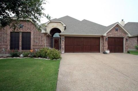 Photo of 310 Spyglass Dr, Willow Park, TX 76008