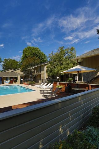 Photo of 601 Country Club Rd, Eugene, OR 97401