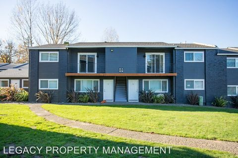 Photo of 11255 Sw Greenburg Rd, Tigard, OR 97223