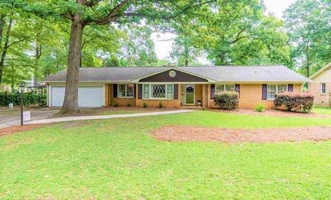 Photo of 14 Kimberly Ln, Taylors, SC 29687