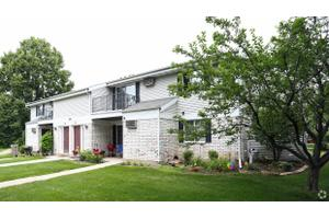 Apartments for Rent at 302 Parkwood Ln, Madison, WI, 53714 ...