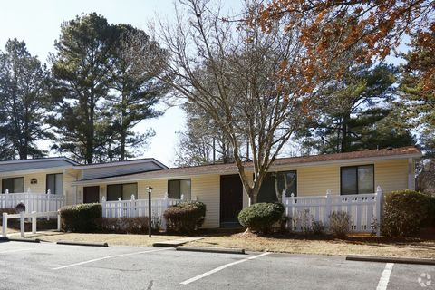 Photo of 775 Longleaf Dr, Lawrenceville, GA 30046