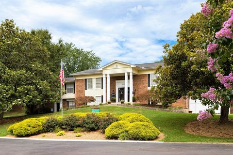 Photo of 1000 University Blvd, Kingsport, TN 37660
