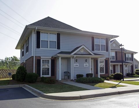 Photo of 663 Rutherford Rd, Greenville, SC 29609