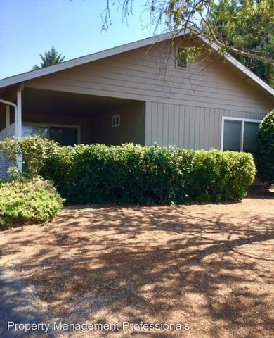1371 Star Ct, Grants Pass, OR 97527