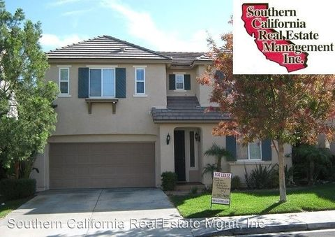 17610 Gladesworth Ln, Canyon Country, CA 91387