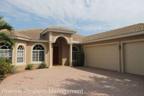 3846 Recreation Ln, Naples, FL 34116