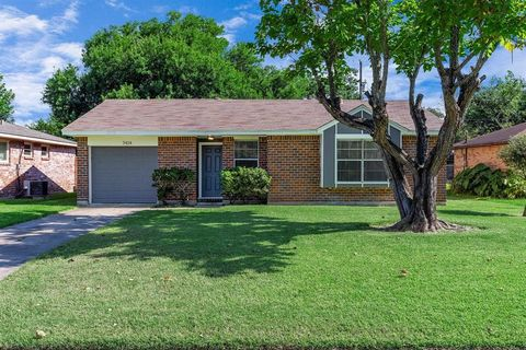 Photo of 7414 Carver Ave, Texas City, TX 77591