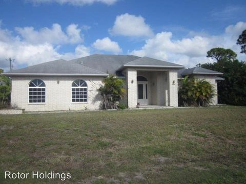 1802 Golfside Village Dr, Lehigh Acres, FL 33936