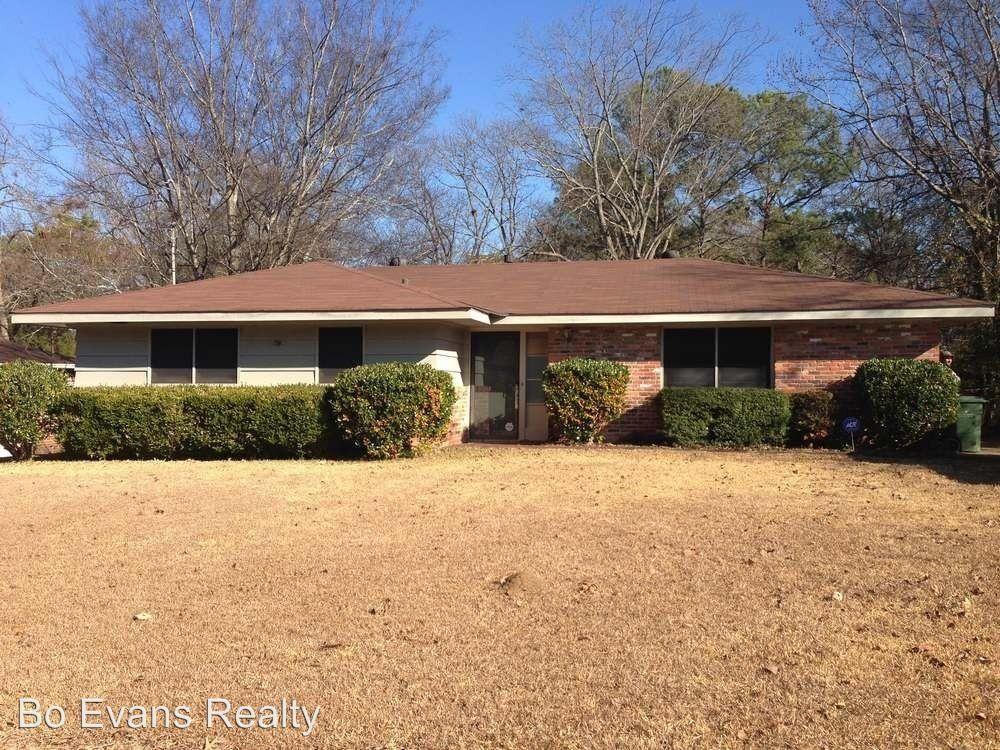 1857 Grove Hill Ln, Montgomery, AL 36106