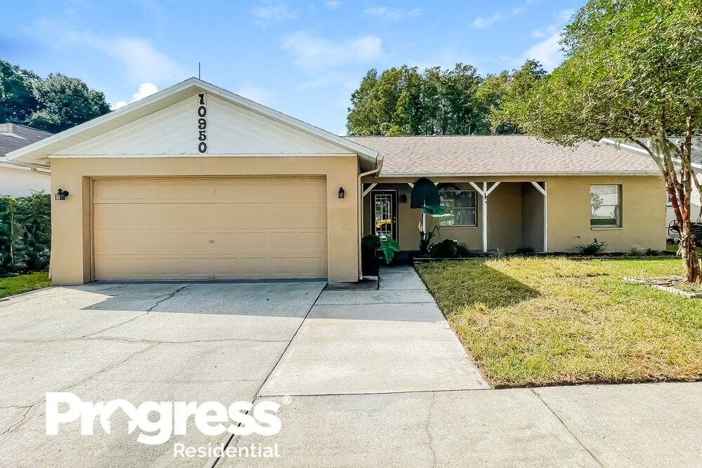 10950 Kenmore Dr New Port Richey, FL 34654