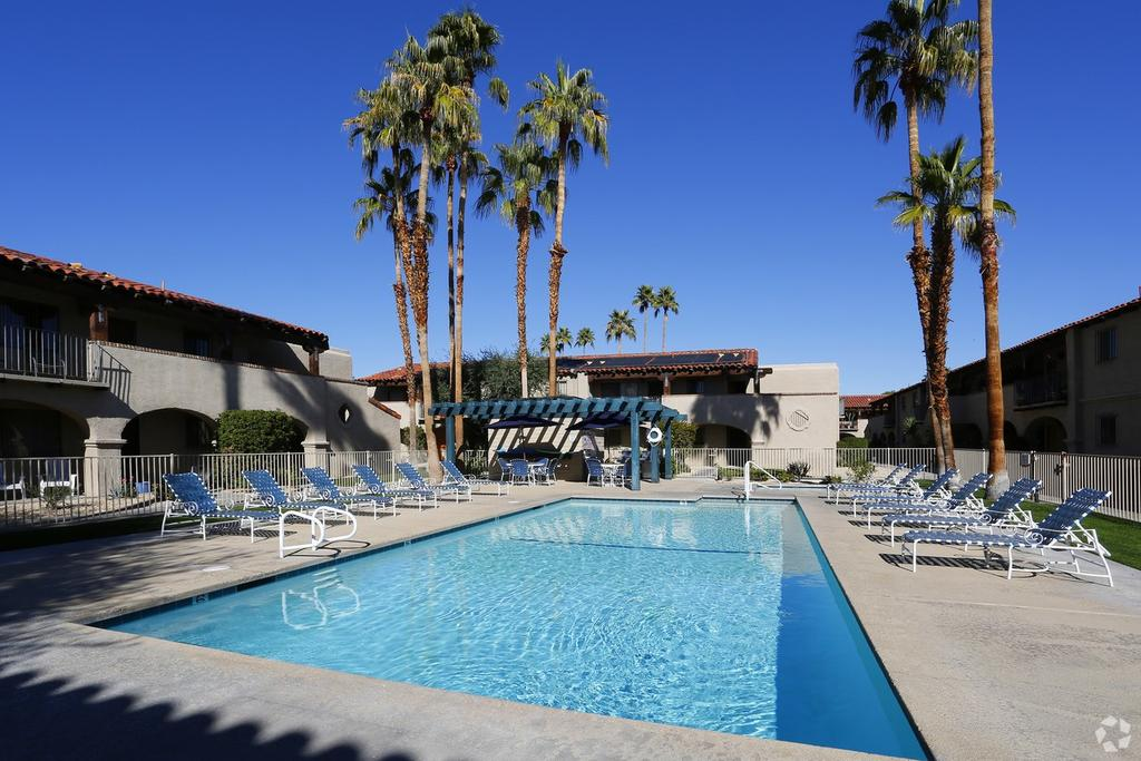 San Jacinto Racquet Club Apartments