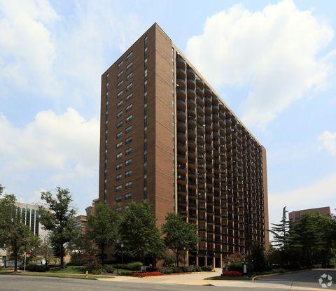 Photo of 1201 S Eads St, Arlington, VA 22202