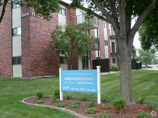 Oakwood Estates Apartment Homes