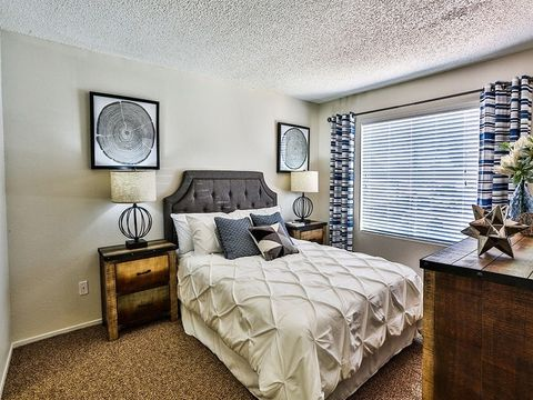 4747 Pennwood Ave, Las Vegas, NV 89102