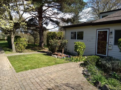 Photo of 4200 28th Ave Sw, Seattle, WA 98126