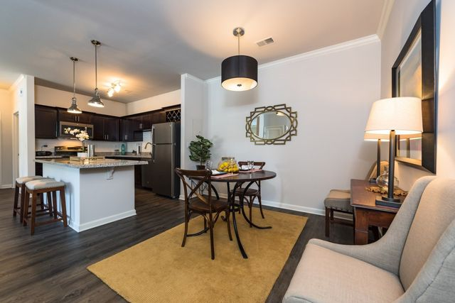 10200 Renaissance Valley Way, Louisville, KY 40272