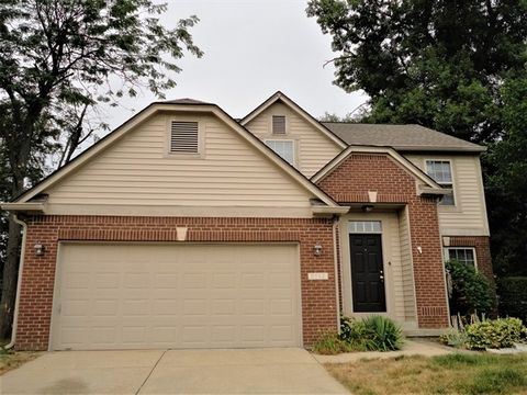 Photo of 9952 Wellcroft Ln, Indianapolis, IN 46236