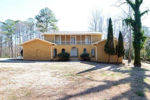 Photo of 500 Hawthorne Dr, Fayetteville, GA 30214