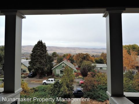 Photo of 318 E 12th St, The Dalles, OR 97058
